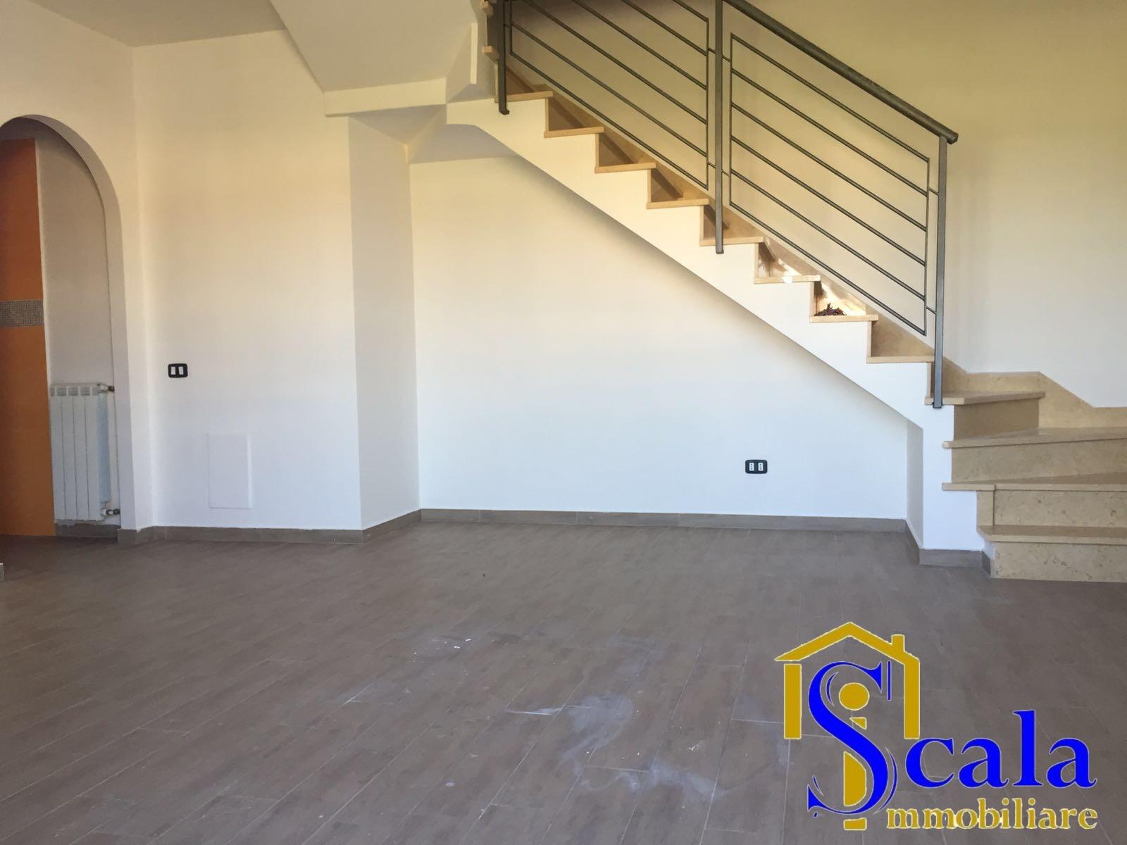 Appartamento in affitto a San Tammaro, 3 locali, prezzo € 360 | Cambio Casa.it
