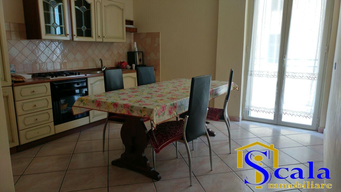 Appartamento in vendita a Santa Maria Capua Vetere, 4 locali, prezzo € 93.000   CambioCasa.it