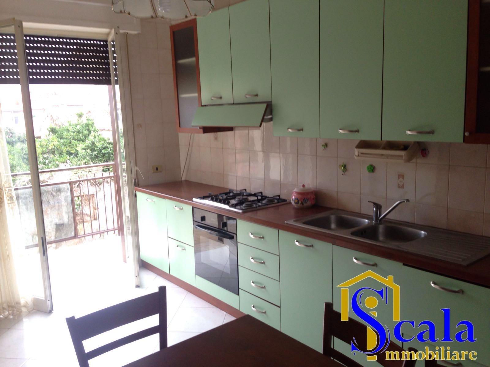 Appartamento in affitto a Macerata Campania, 2 locali, prezzo € 320 | CambioCasa.it