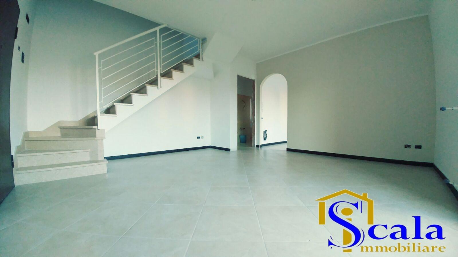 Appartamento in vendita a San Tammaro, 4 locali, prezzo € 120.000 | Cambio Casa.it