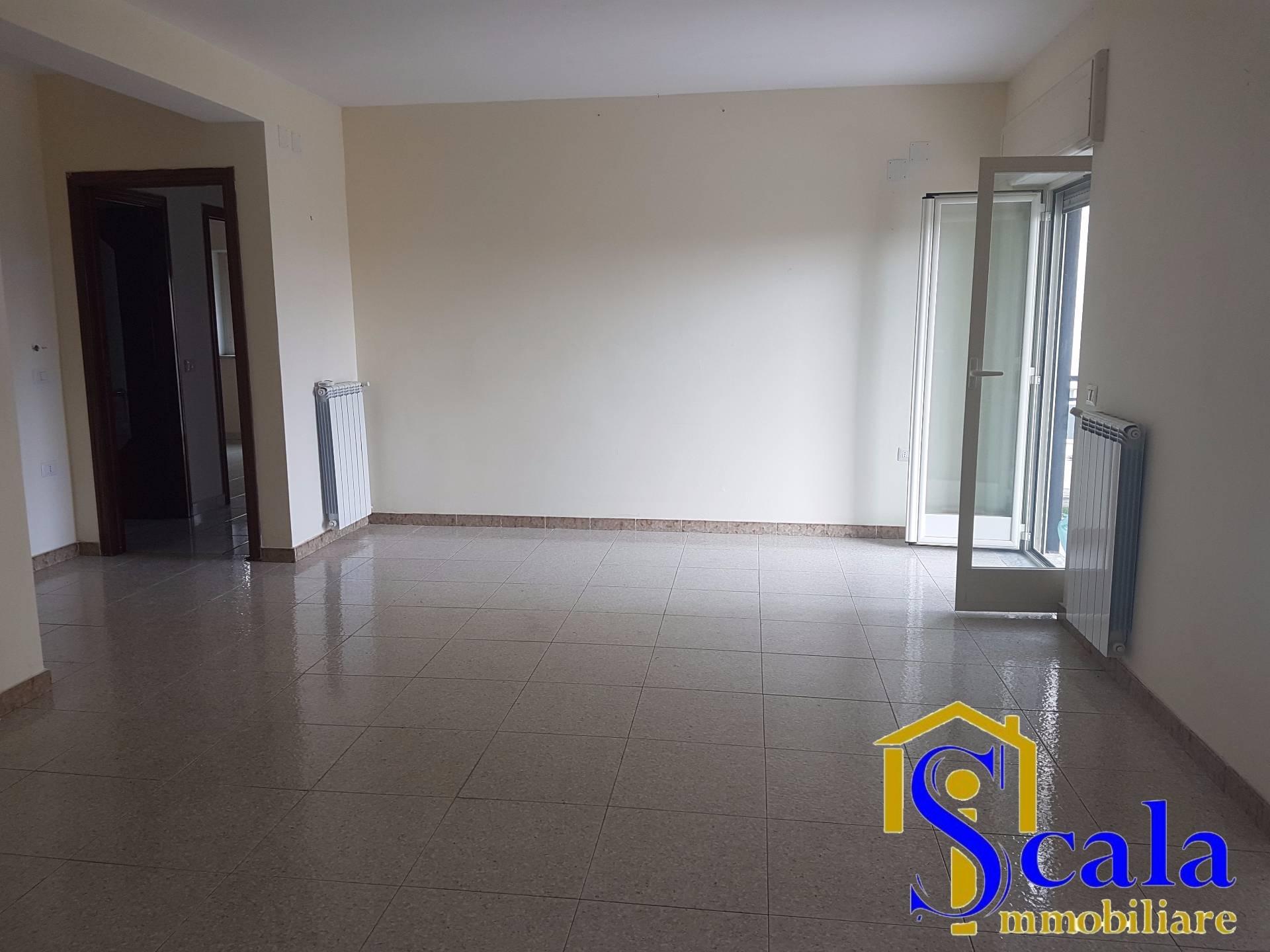 Appartamento in affitto a San Tammaro, 3 locali, prezzo € 300 | Cambio Casa.it