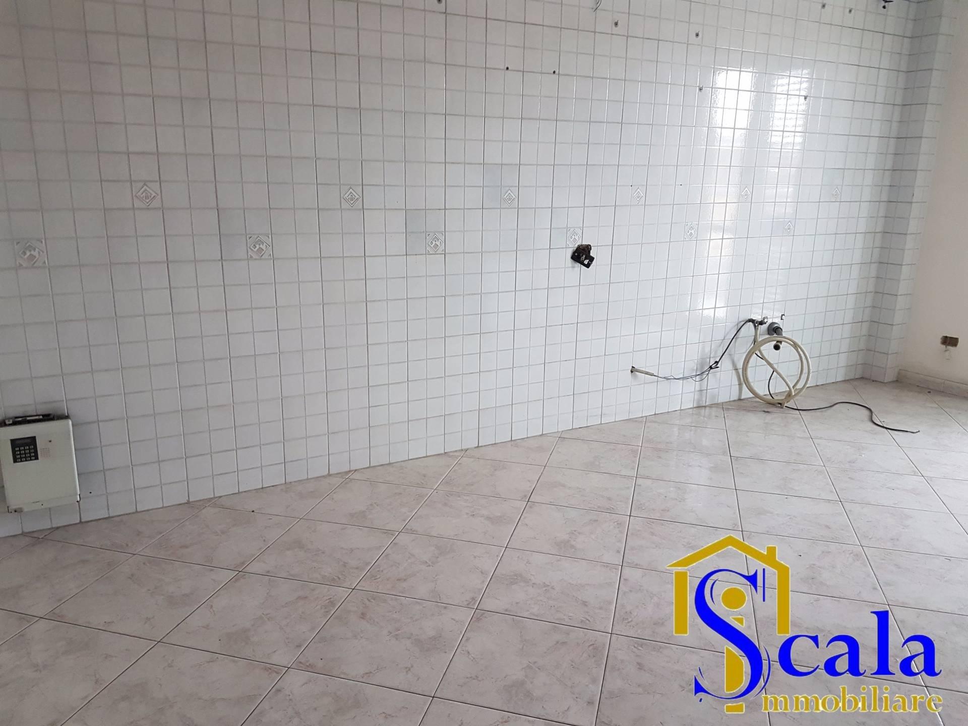 Appartamento in affitto a Santa Maria Capua Vetere, 3 locali, prezzo € 430   Cambio Casa.it