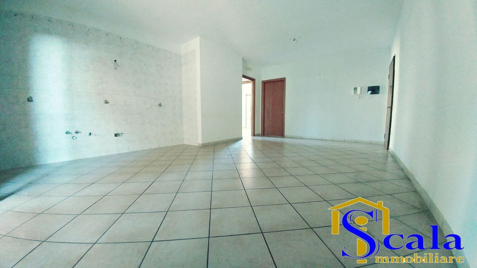 Appartamento in vendita a San Tammaro, 4 locali, prezzo € 136.000 | Cambio Casa.it