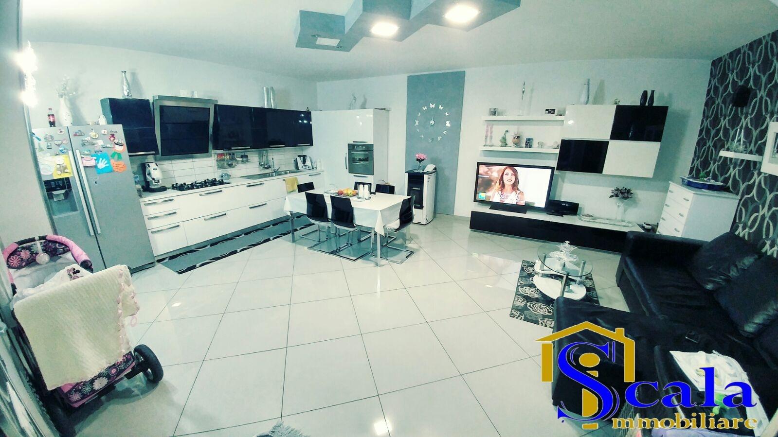 Villa a Schiera in vendita a San Tammaro, 4 locali, prezzo € 75.000 | Cambio Casa.it