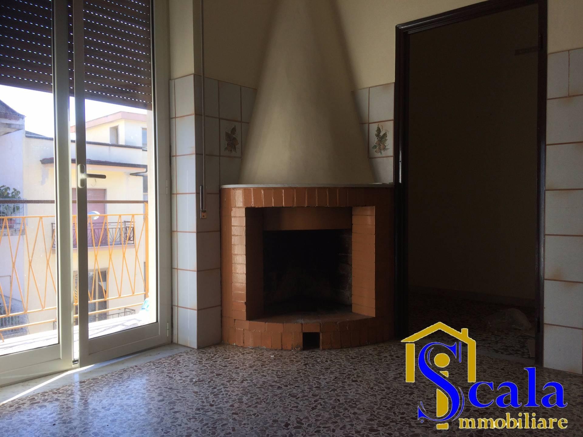 Appartamento in affitto a Santa Maria Capua Vetere, 3 locali, prezzo € 320 | CambioCasa.it
