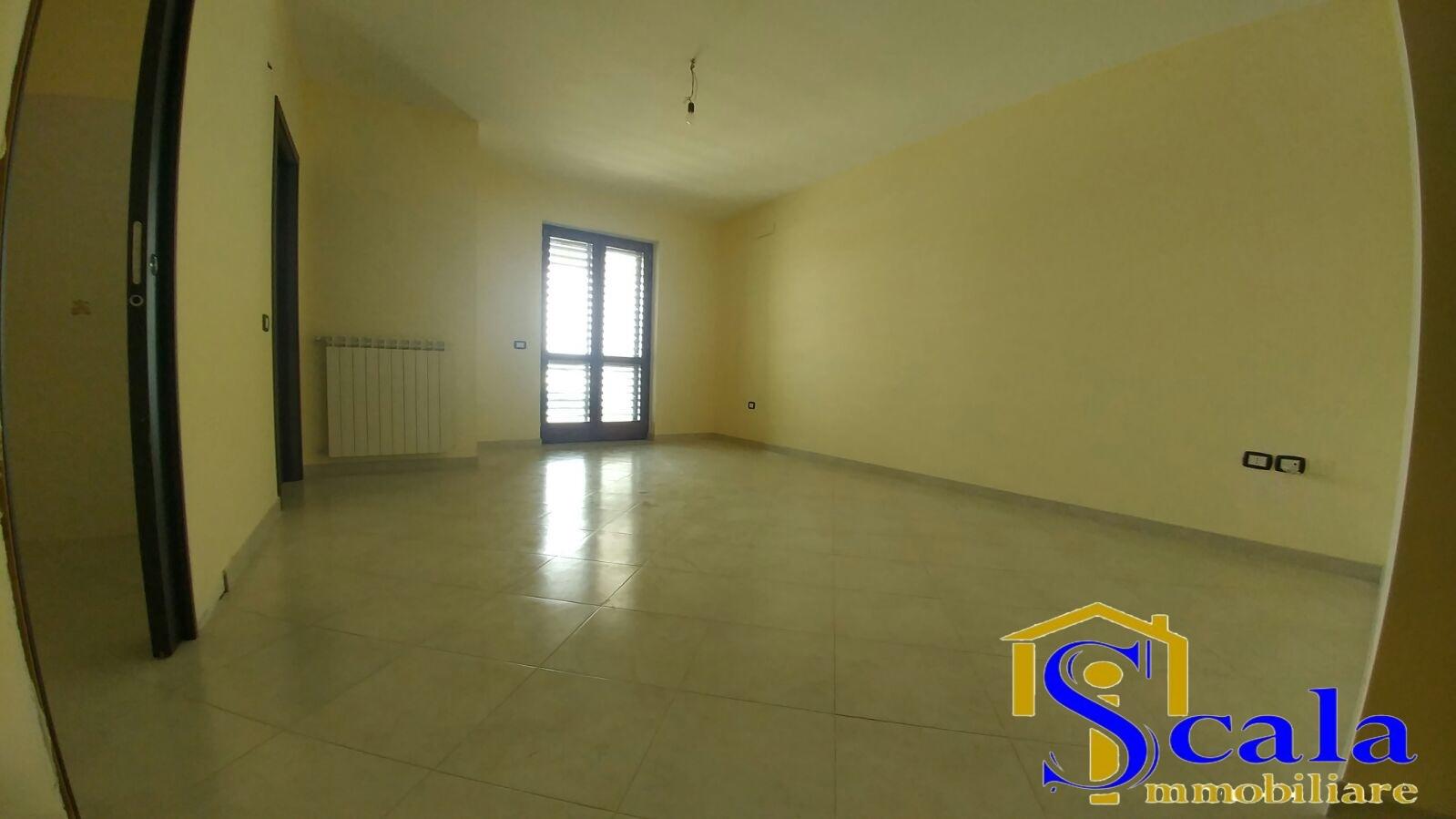 Appartamento in vendita a San Tammaro, 4 locali, prezzo € 150.000 | CambioCasa.it