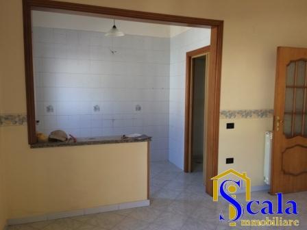 Appartamento in affitto a Macerata Campania, 4 locali, prezzo € 390   CambioCasa.it