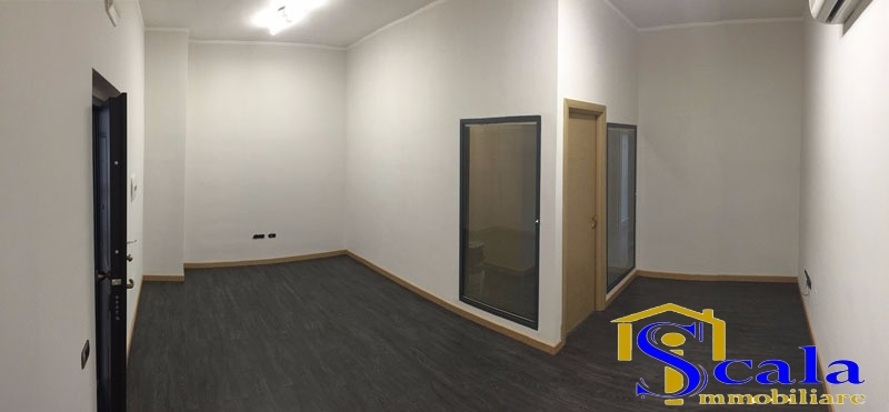 Ufficio / Studio in vendita a Santa Maria Capua Vetere, 9999 locali, prezzo € 160.000   CambioCasa.it