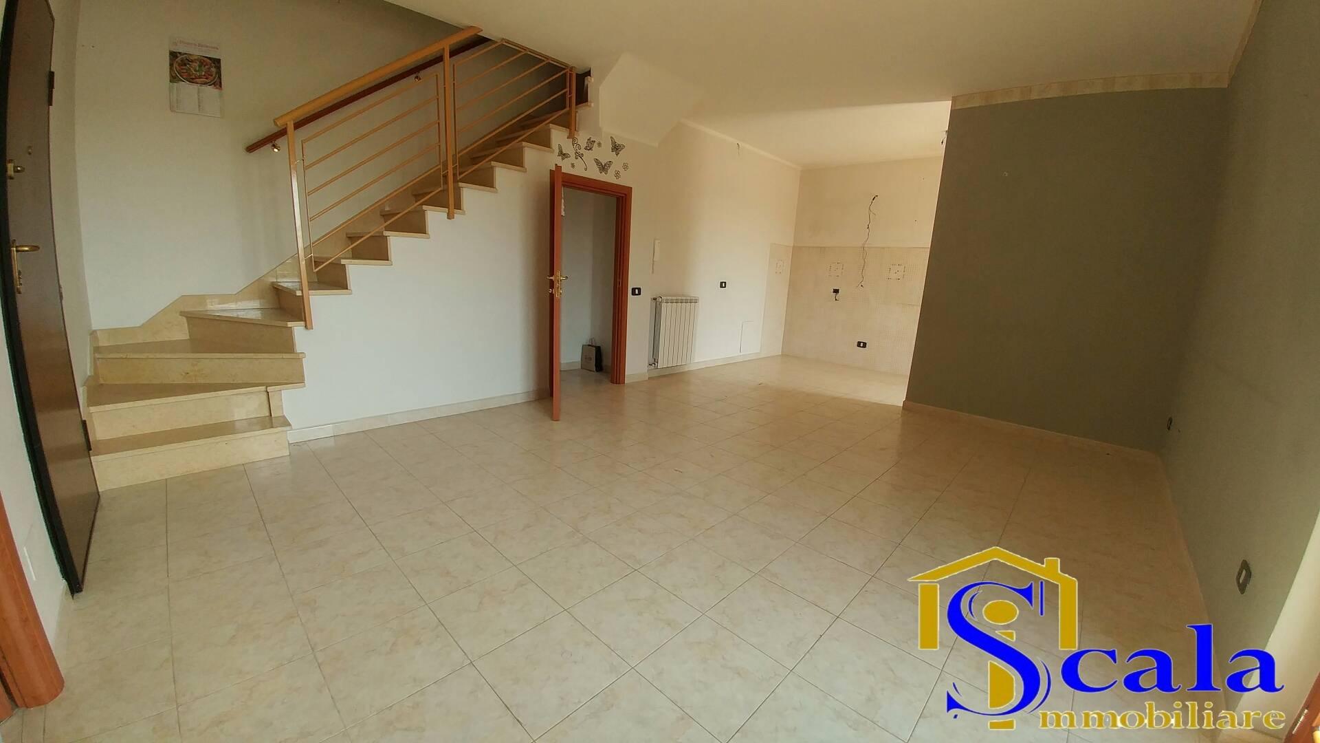 Appartamento in affitto a San Tammaro, 3 locali, prezzo € 380 | CambioCasa.it