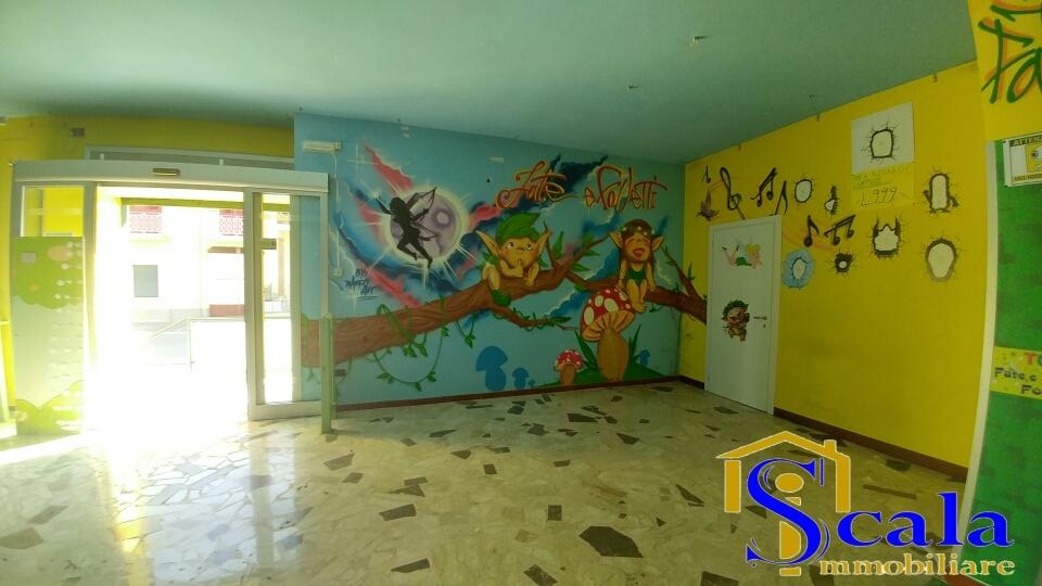 Negozio / Locale in affitto a Curti, 9999 locali, prezzo € 2.000 | CambioCasa.it