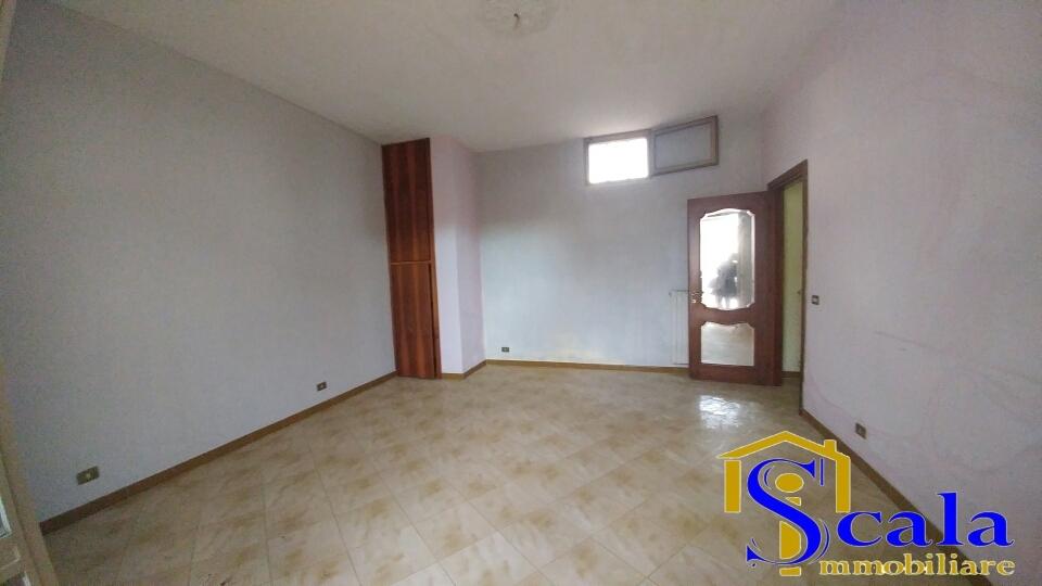 Appartamento in affitto a Santa Maria Capua Vetere, 4 locali, zona Località: S.Andrea, prezzo € 350   CambioCasa.it