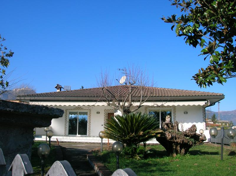 vendita villa Cassino 9 318 M 450.000 &euro;