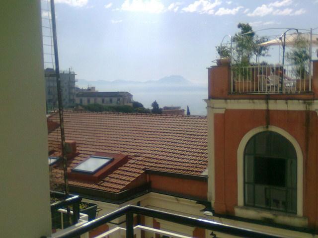 Appartamento in Vendita a Napoli: 4 locali, 100 mq