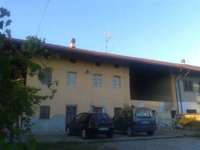 vendita rustico alice castello 8 160  110.000 €
