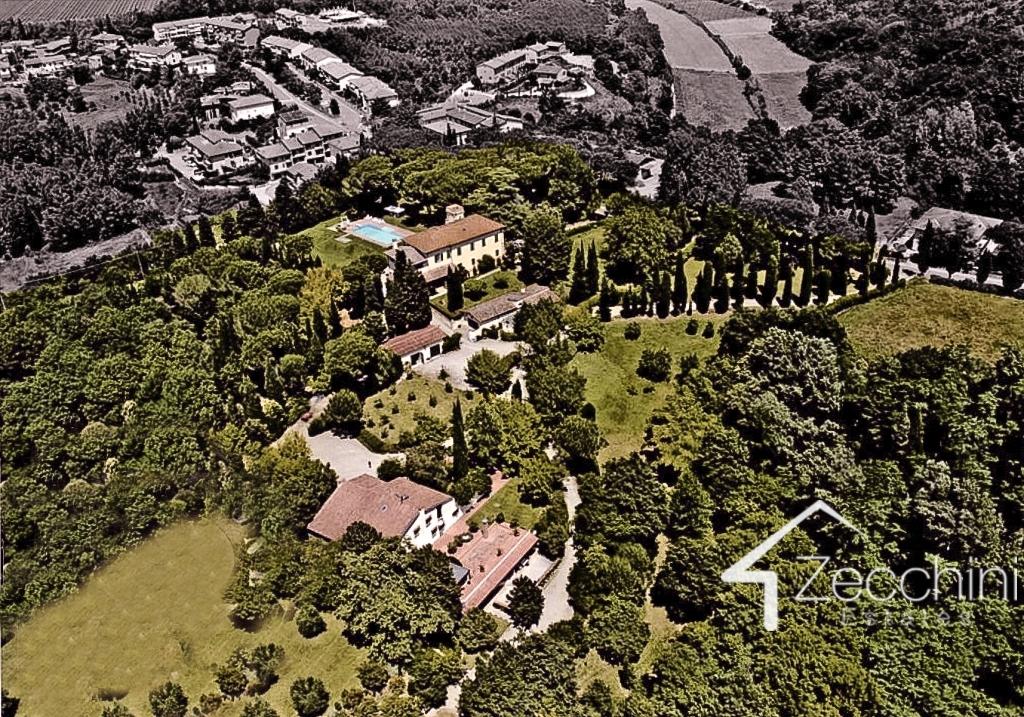 Villa in vendita a Montopoli in Val d'Arno, 20 locali, Trattative riservate   Cambio Casa.it