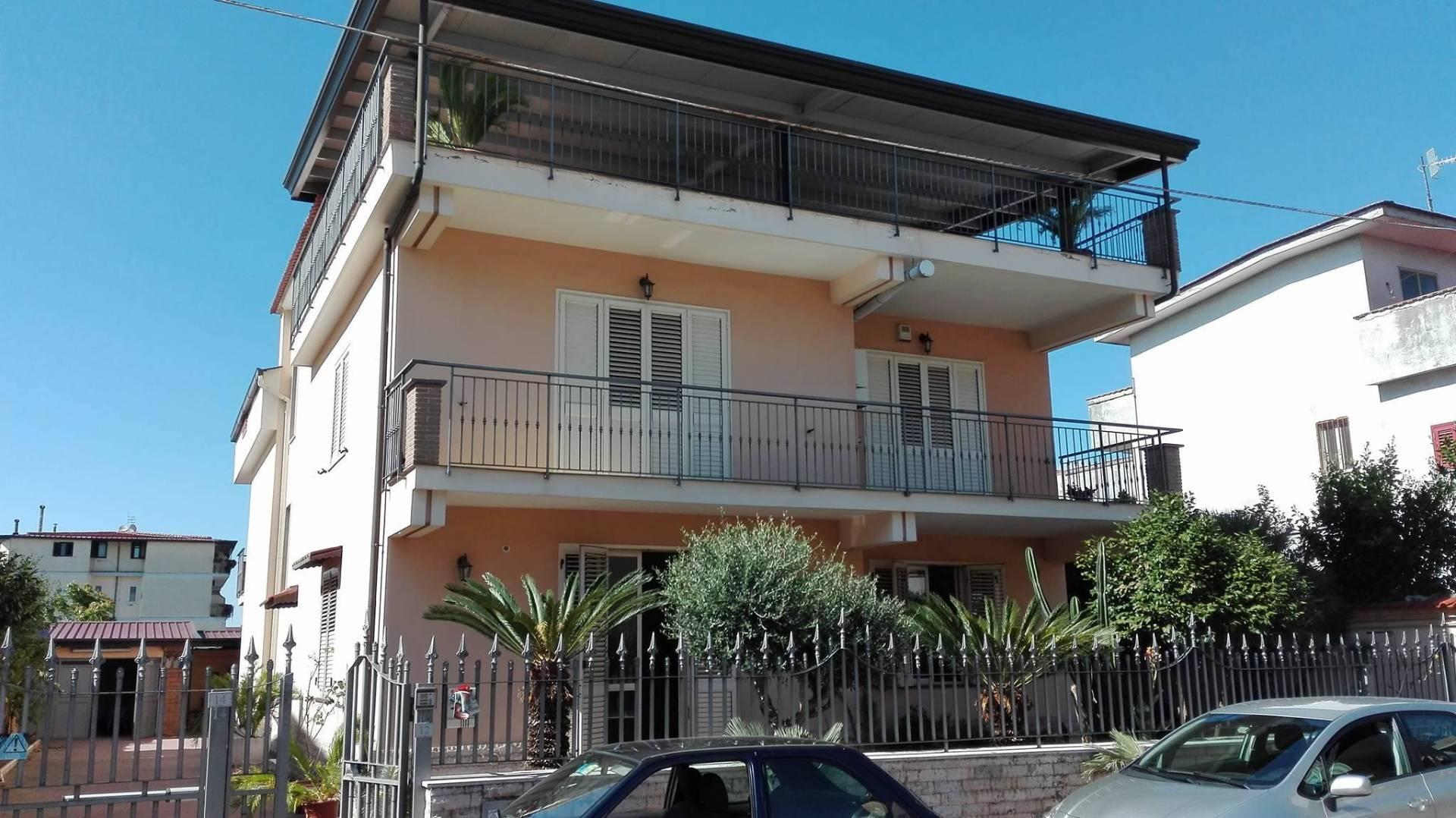 Appartamento in affitto a Sant'Arpino, 10 locali, prezzo € 2.500 | Cambio Casa.it