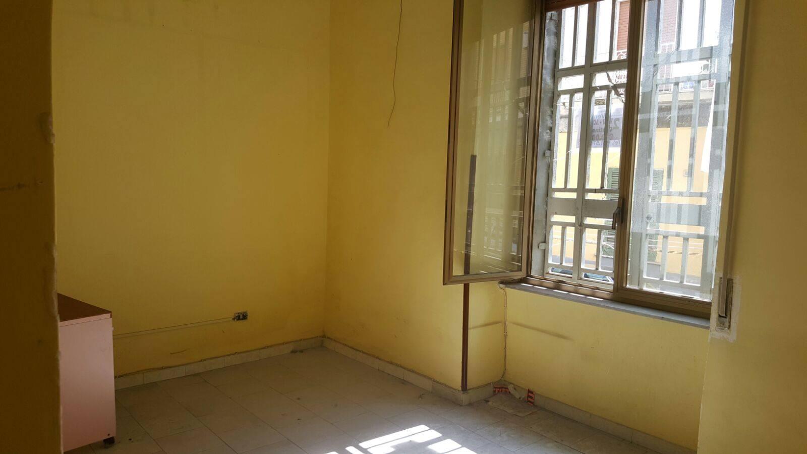 Appartamento in vendita a Napoli, 3 locali, zona Zona: 8 . Piscinola, Chiaiano, Scampia, prezzo € 74.000   Cambio Casa.it