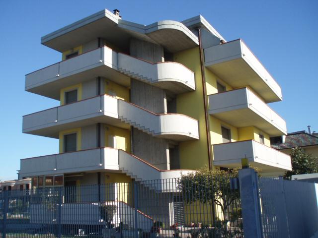 Soluzione Indipendente in vendita a San Benedetto del Tronto, 17 locali, zona Località: PortodAscoli, Trattative riservate | Cambio Casa.it