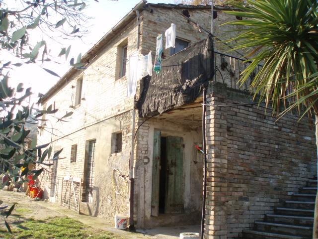 Rustico / Casale in vendita a Ripatransone, 3 locali, prezzo € 160.000   Cambio Casa.it