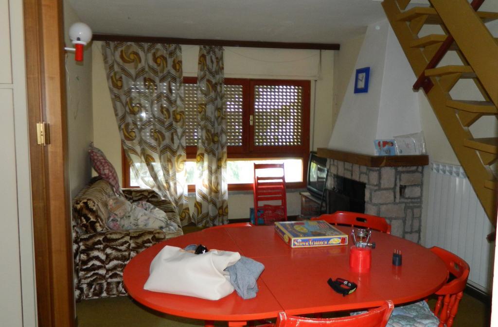 Appartamento in vendita a Sarnano, 3 locali, prezzo € 35.000 | Cambio Casa.it