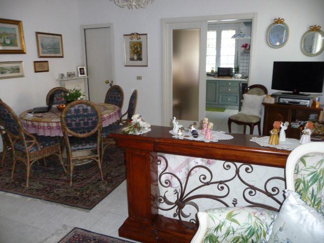 Appartamento in vendita a San Benedetto del Tronto, 5 locali, zona Località: CENTRALEVERSOSUD, prezzo € 450.000 | CambioCasa.it