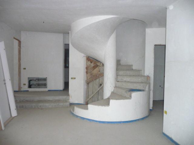 Villa in vendita a Martinsicuro, 6 locali, zona Località: VillaRosa, prezzo € 490.000   Cambio Casa.it