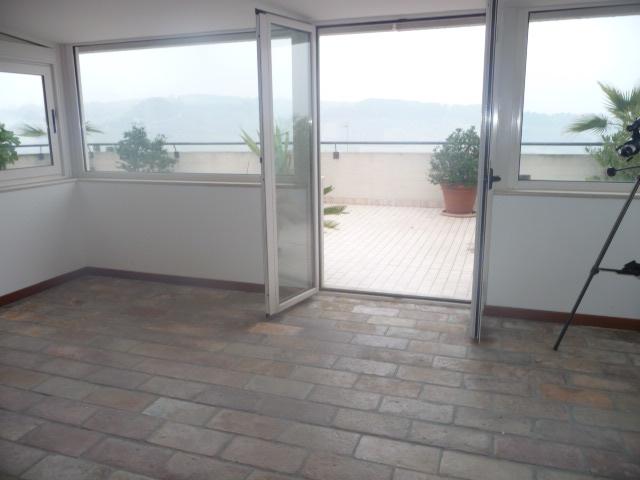 Attico / Mansarda in vendita a Monteprandone, 6 locali, prezzo € 215.000 | Cambio Casa.it