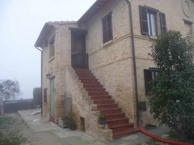 Rustico / Casale in vendita a Monsampolo del Tronto, 12 locali, zona Zona: Monsampolo, prezzo € 600.000 | Cambio Casa.it