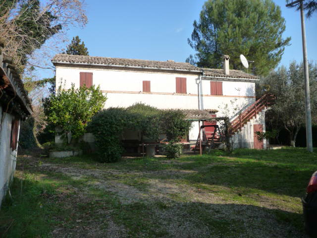 Rustico / Casale in vendita a Cupra Marittima, 10 locali, prezzo € 280.000 | Cambio Casa.it