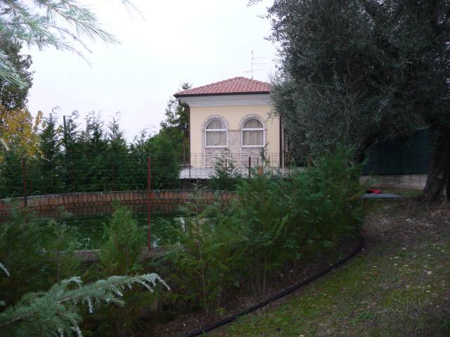 Rustico / Casale in vendita a Monteprandone, 6 locali, zona Località: Residenziale, prezzo € 380.000 | CambioCasa.it