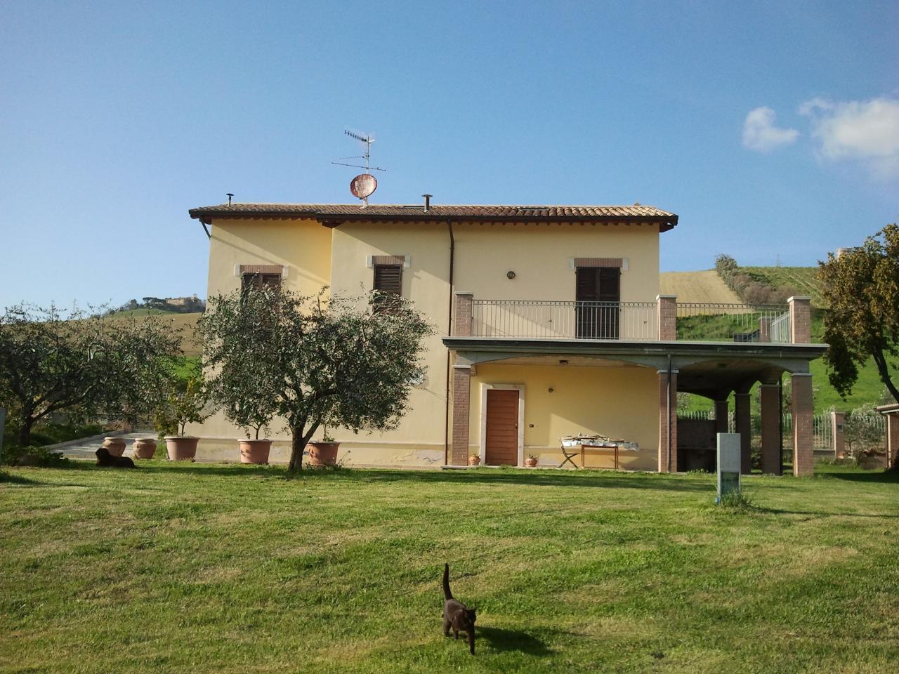 Villa in vendita a Acquaviva Picena, 6 locali, prezzo € 650.000 | CambioCasa.it
