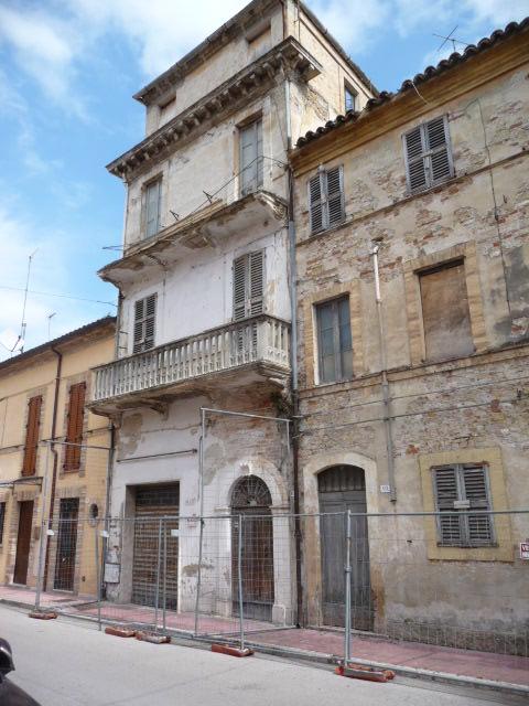 Soluzione Indipendente in vendita a Grottammare, 12 locali, zona Località: Centro, prezzo € 260.000 | Cambio Casa.it