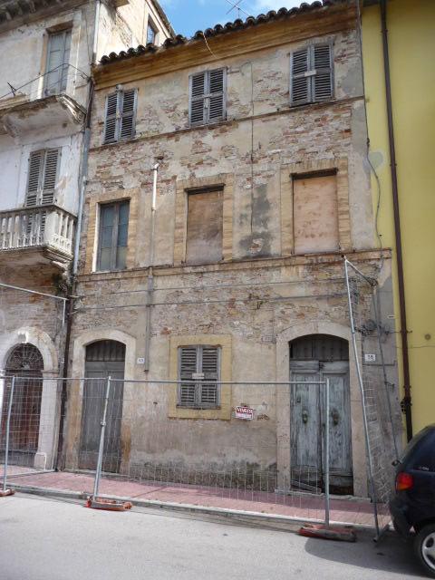 Soluzione Indipendente in vendita a Grottammare, 6 locali, zona Località: Centro, prezzo € 140.000 | Cambio Casa.it