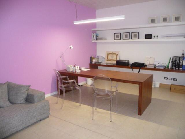 Laboratorio in vendita a San Benedetto del Tronto, 9999 locali, zona Località: PortodAscoli, prezzo € 120.000 | Cambio Casa.it