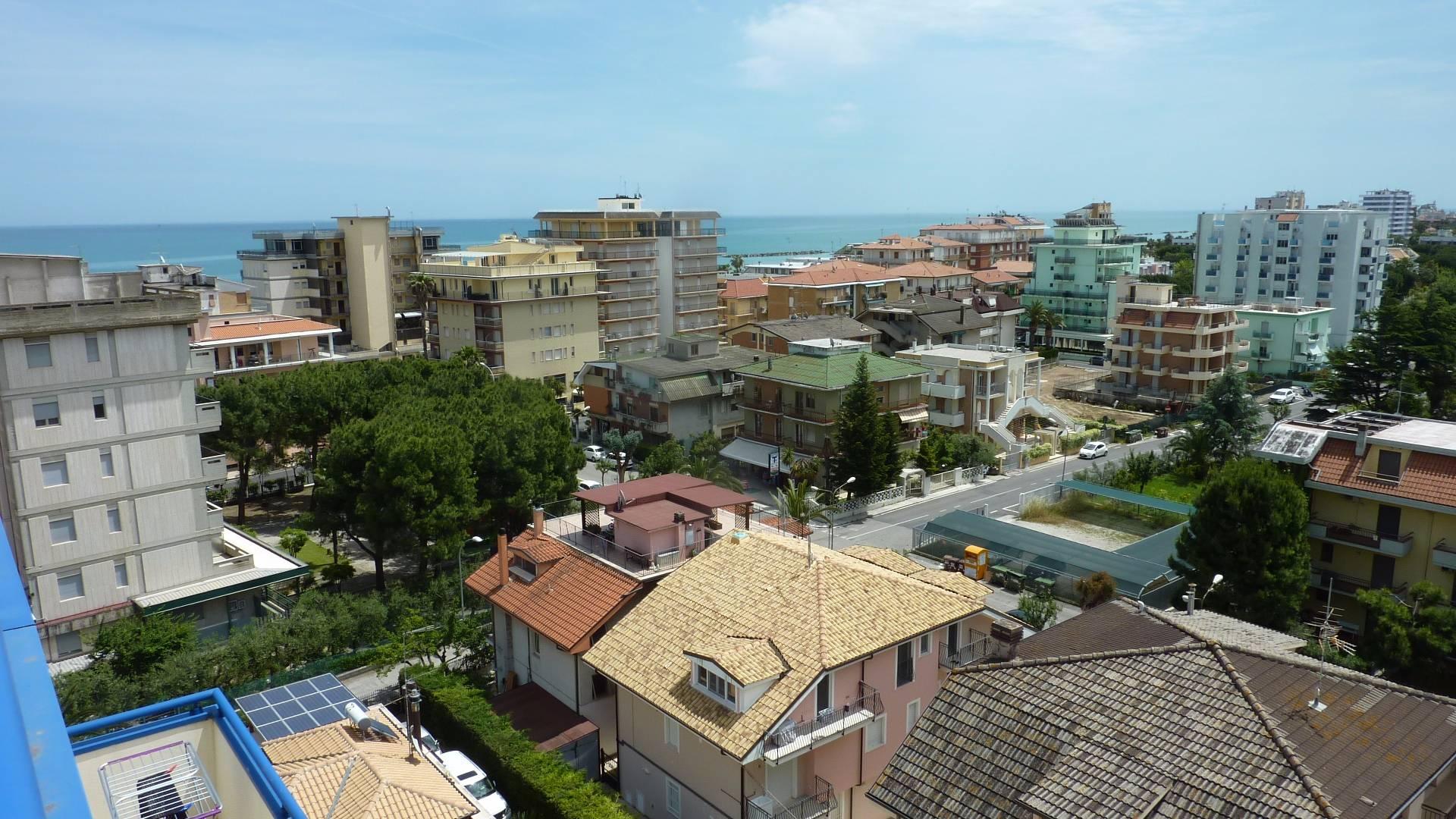 Attico / Mansarda in vendita a San Benedetto del Tronto, 3 locali, zona Località: MARE, prezzo € 240.000 | CambioCasa.it