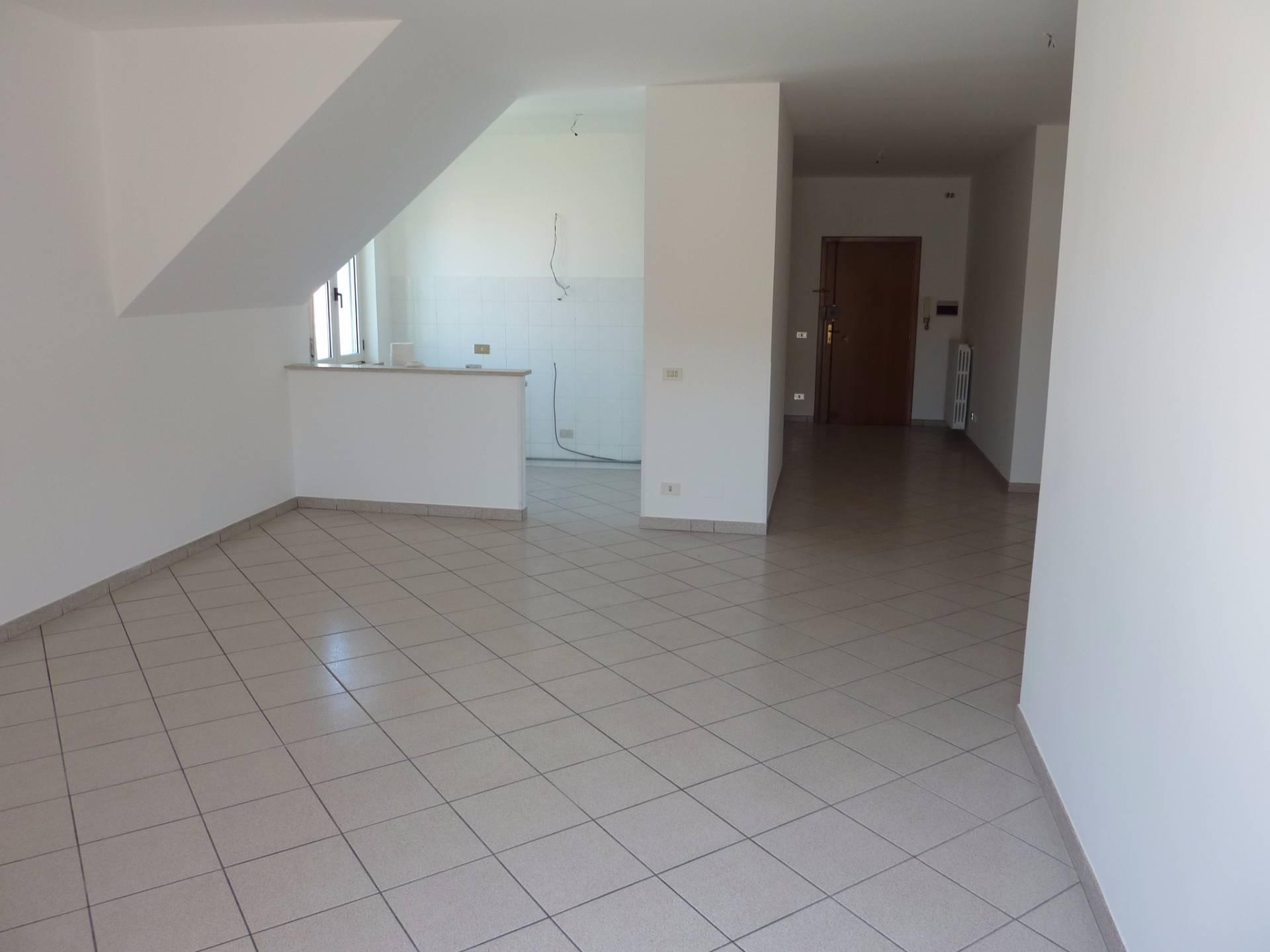 Appartamento in affitto a San Benedetto del Tronto, 5 locali, zona Località: PortodAscoli, prezzo € 550   CambioCasa.it