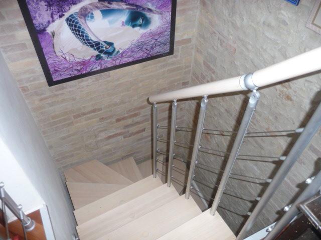 Soluzione Indipendente in affitto a San Benedetto del Tronto, 4 locali, zona Località: PAESEALTO, prezzo € 800 | Cambio Casa.it