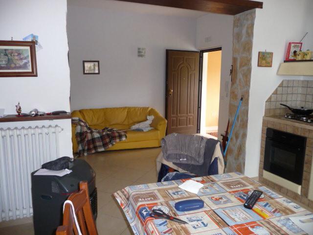 Appartamento in affitto a Colli del Tronto, 3 locali, zona Località: CaseSparse, prezzo € 450 | Cambio Casa.it