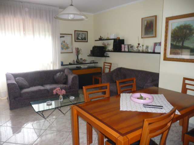 Appartamento in affitto a San Benedetto del Tronto, 5 locali, zona Località: PortodAscoli, prezzo € 650   CambioCasa.it