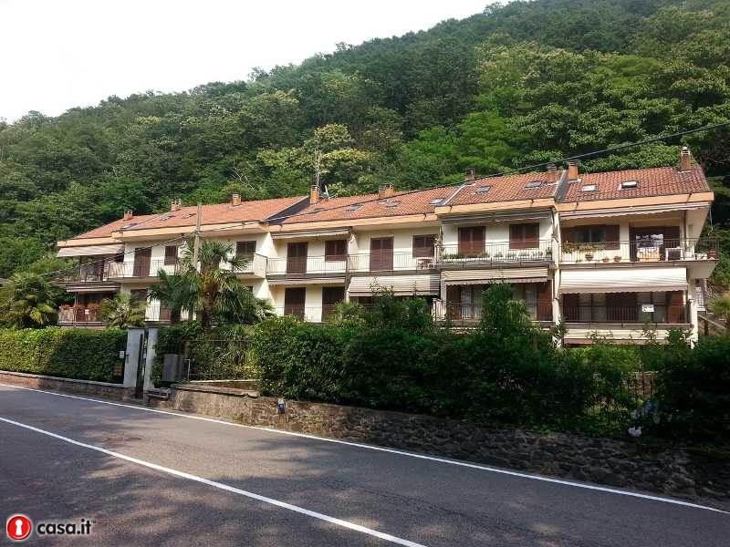 Appartamento in vendita a Porto Ceresio, 4 locali, prezzo € 168.000 | Cambio Casa.it