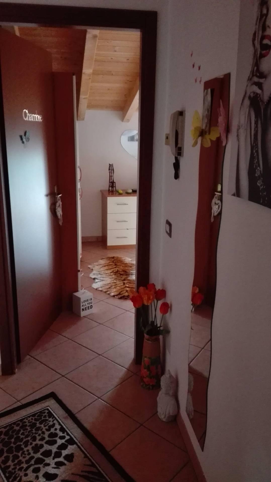 Attico / Mansarda in affitto a Cuasso al Monte, 3 locali, zona Località: CuassoalPiano, prezzo € 600 | Cambio Casa.it