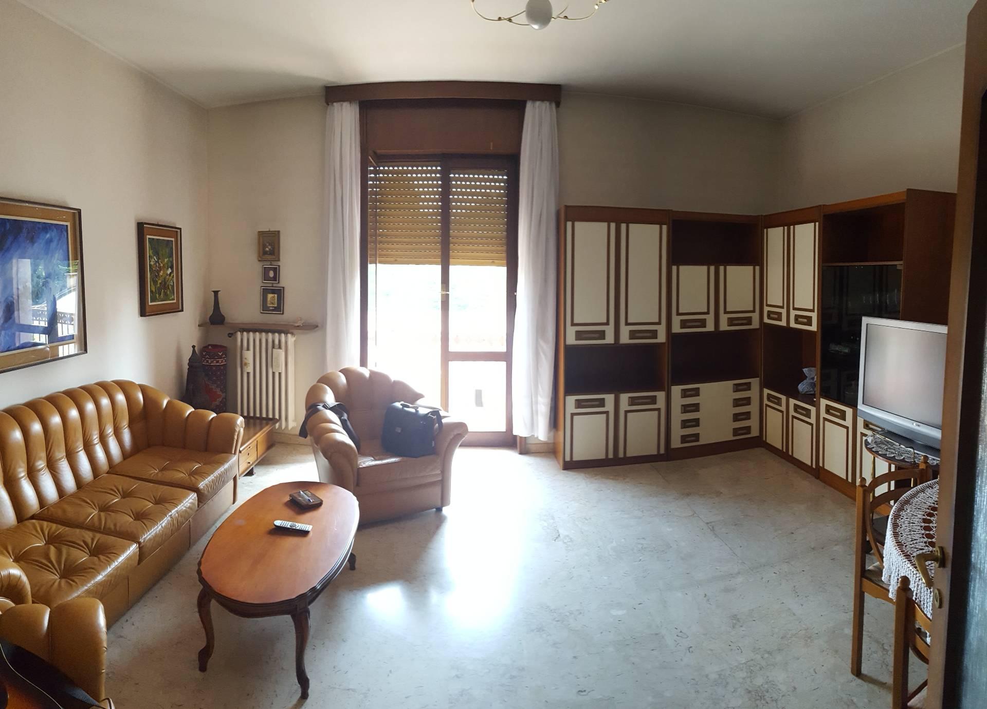 Appartamento in affitto a Arcisate, 2 locali, prezzo € 500 | Cambio Casa.it