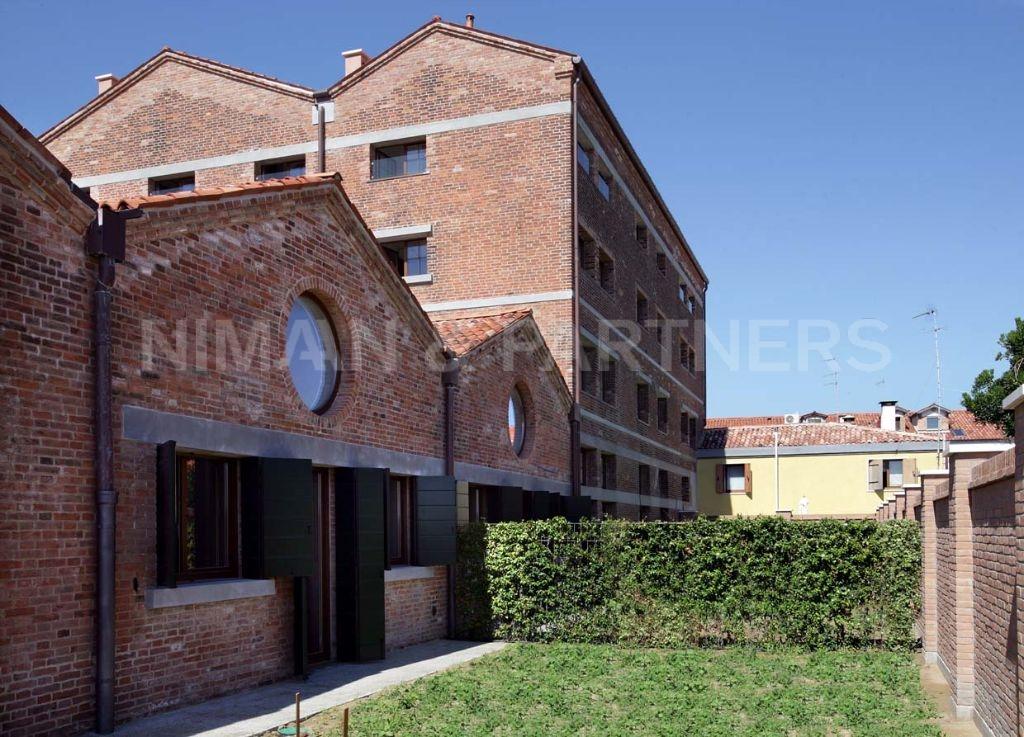 Appartamento in vendita a Venezia, 3 locali, zona Zona: 9 . Murano, prezzo € 340.000 | Cambio Casa.it