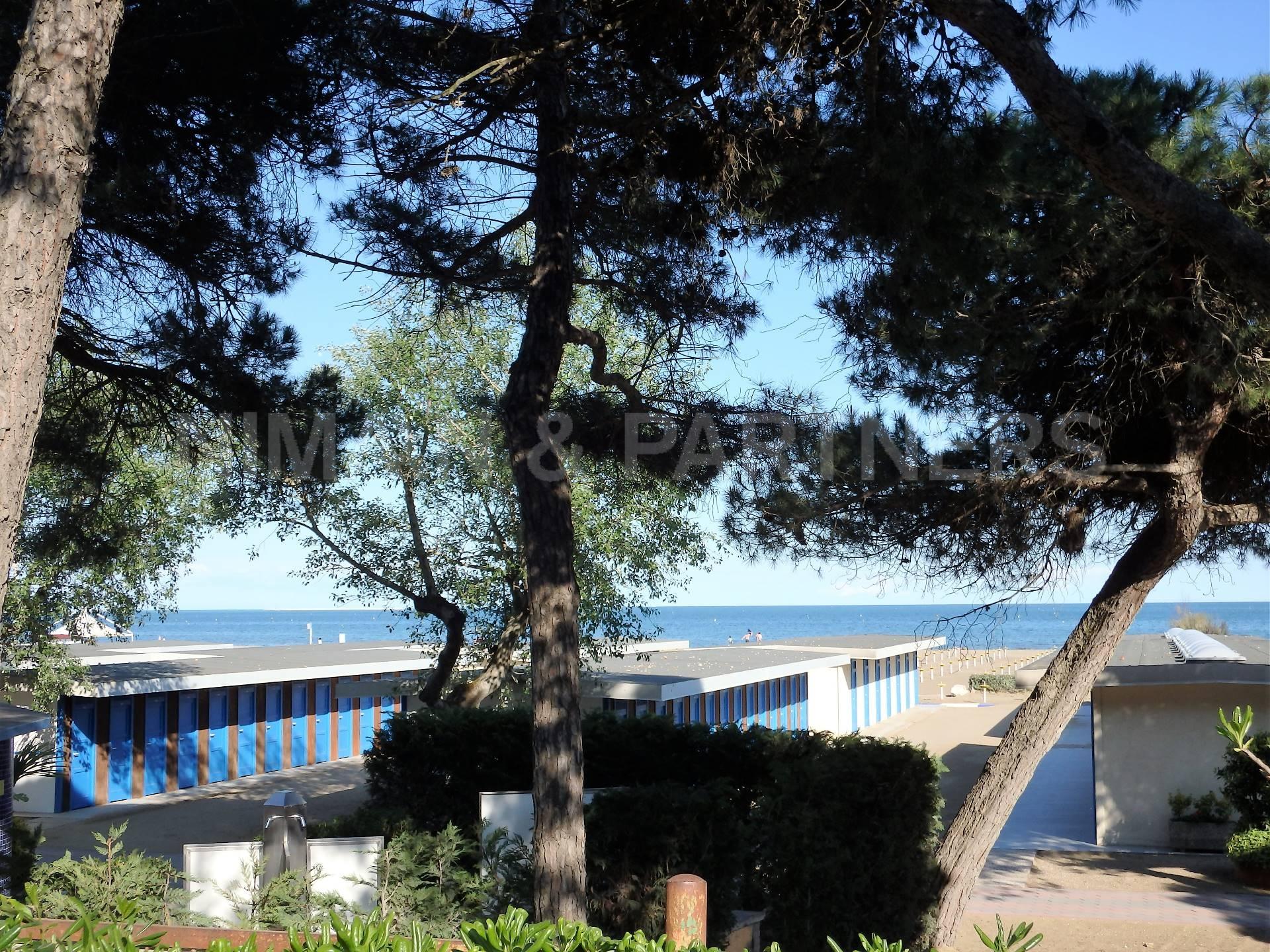 Appartamento in vendita a Venezia, 3 locali, zona Zona: 8 . Lido, prezzo € 620.000   CambioCasa.it