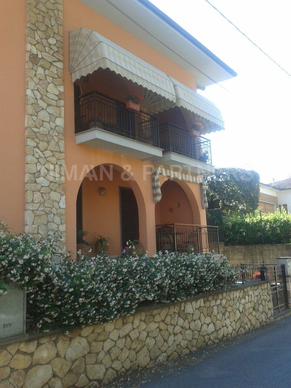Appartamento in vendita a Monsummano Terme, 6 locali, zona Località: GrottaGiusti, prezzo € 195.000 | Cambio Casa.it