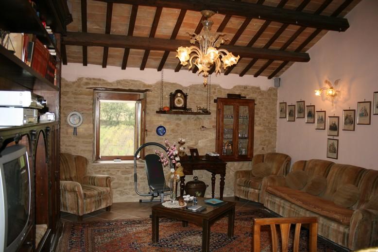 Rustico / Casale in vendita a Massignano, 11 locali, prezzo € 360.000 | CambioCasa.it