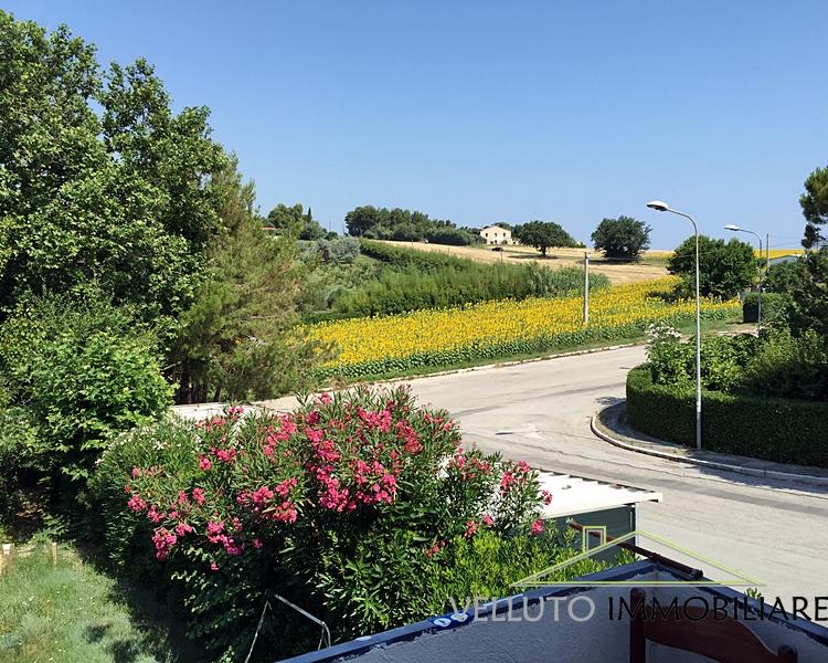 Bilocale Montemarciano Via Mare Tirreno 3