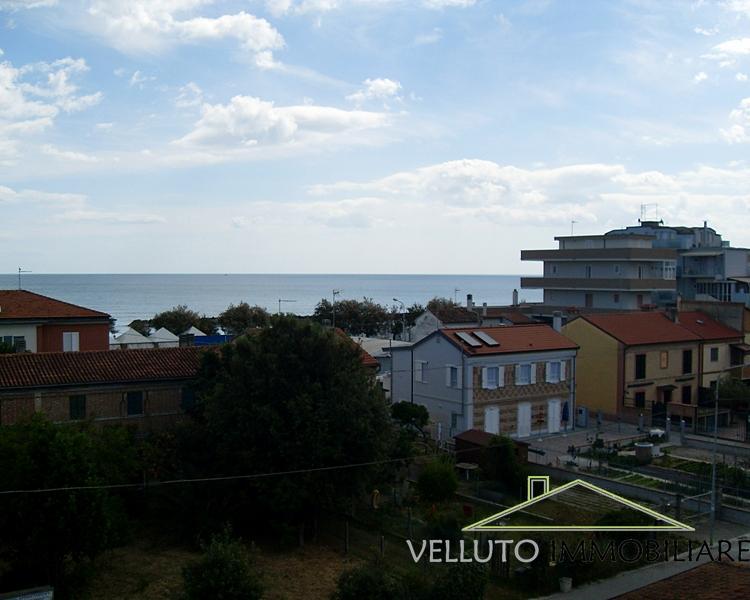 Appartamento in vendita a Senigallia, 3 locali, zona Zona: Cesano, prezzo € 150.000   Cambio Casa.it