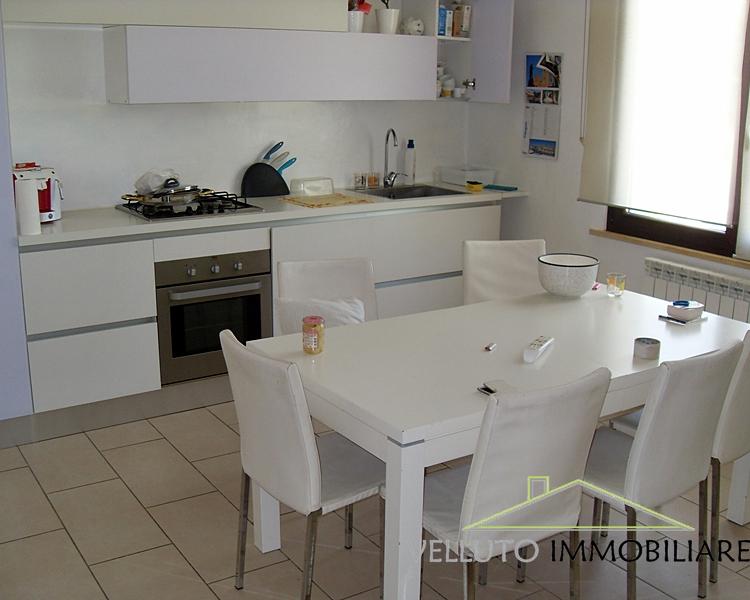 Soluzione Indipendente in vendita a Senigallia, 6 locali, zona Zona: Vallone, prezzo € 400.000 | Cambio Casa.it