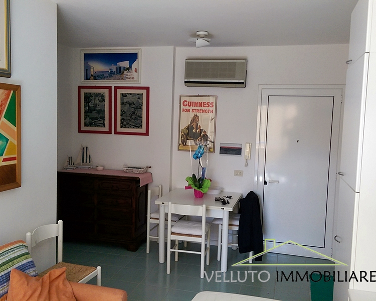 Appartamento in vendita a Senigallia, 2 locali, zona Località: LungomareMameli, prezzo € 150.000 | CambioCasa.it